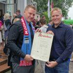 Clemens und Vincent Engelmann freuen sich über Meisterbrief
