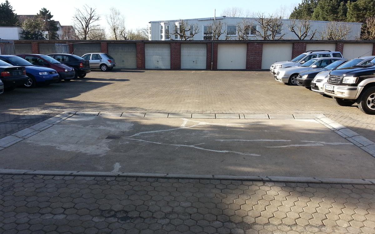 Firmenhof von VE Automobile in Köln-Porz